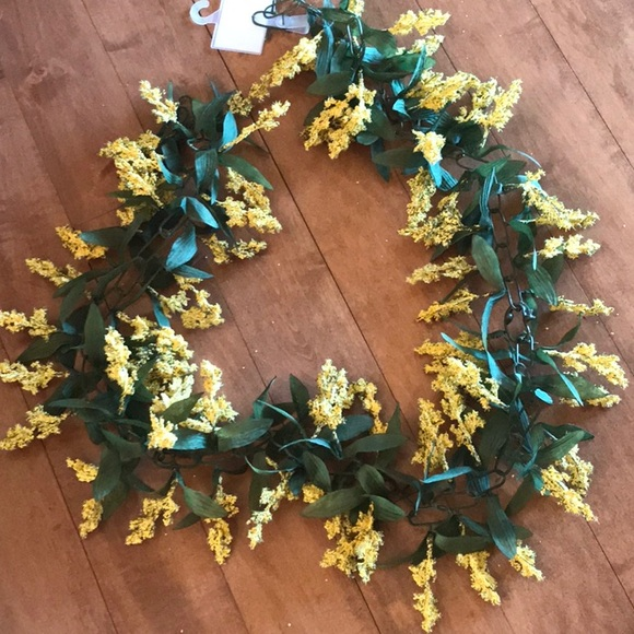 New 6ft long yellow floral garland